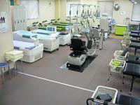 最新リハビリ機器により痛みをとり、運動機能を高めます。